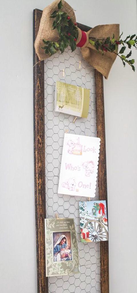 Chỉ cần lấy khung gương cũ là có ngay món đồ trang trí này