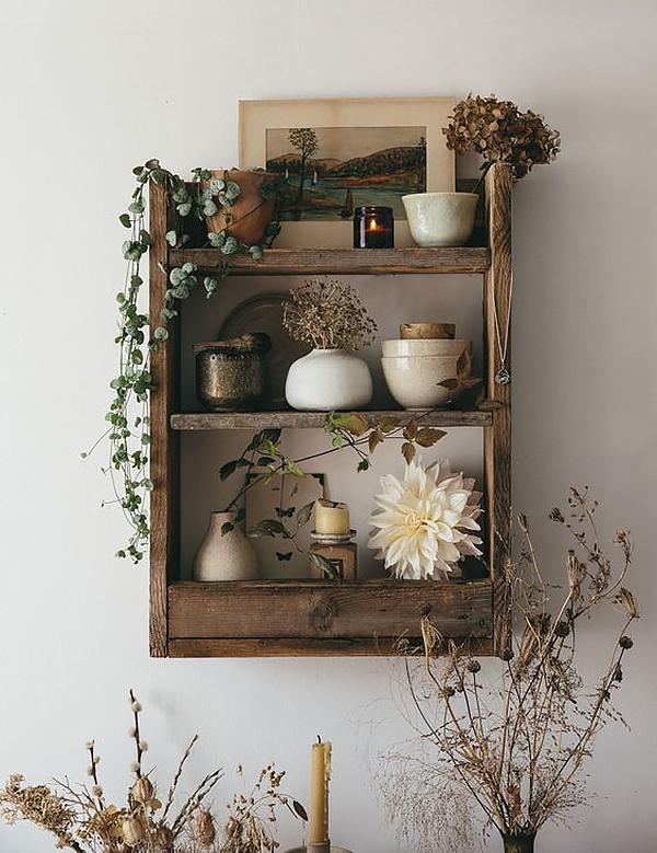 kệ gỗ pallet để đồ được trang trí tuyệt đẹp